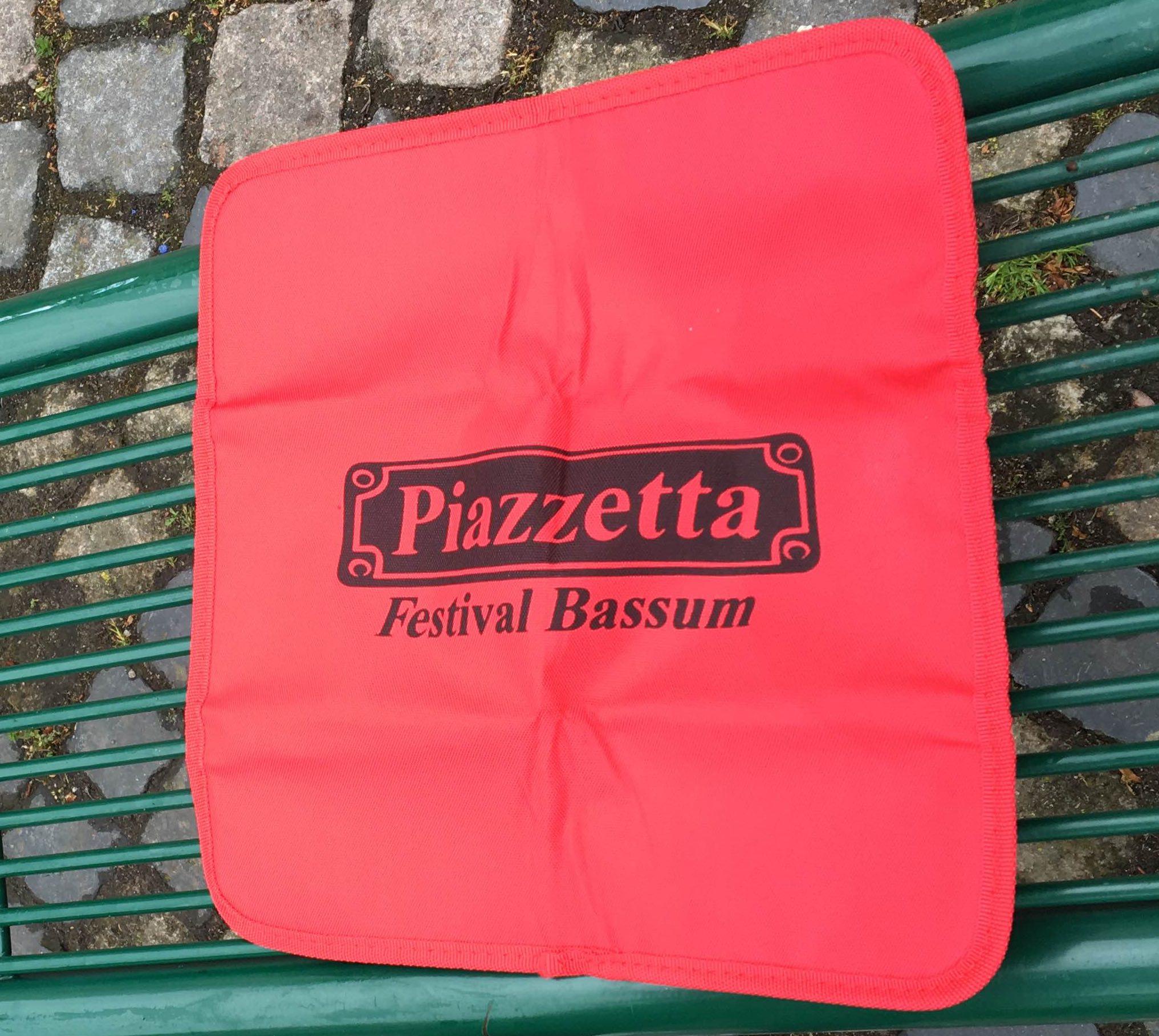 BizTune fertigt Merchandise Sitzkissen für Piazzetta Bassum