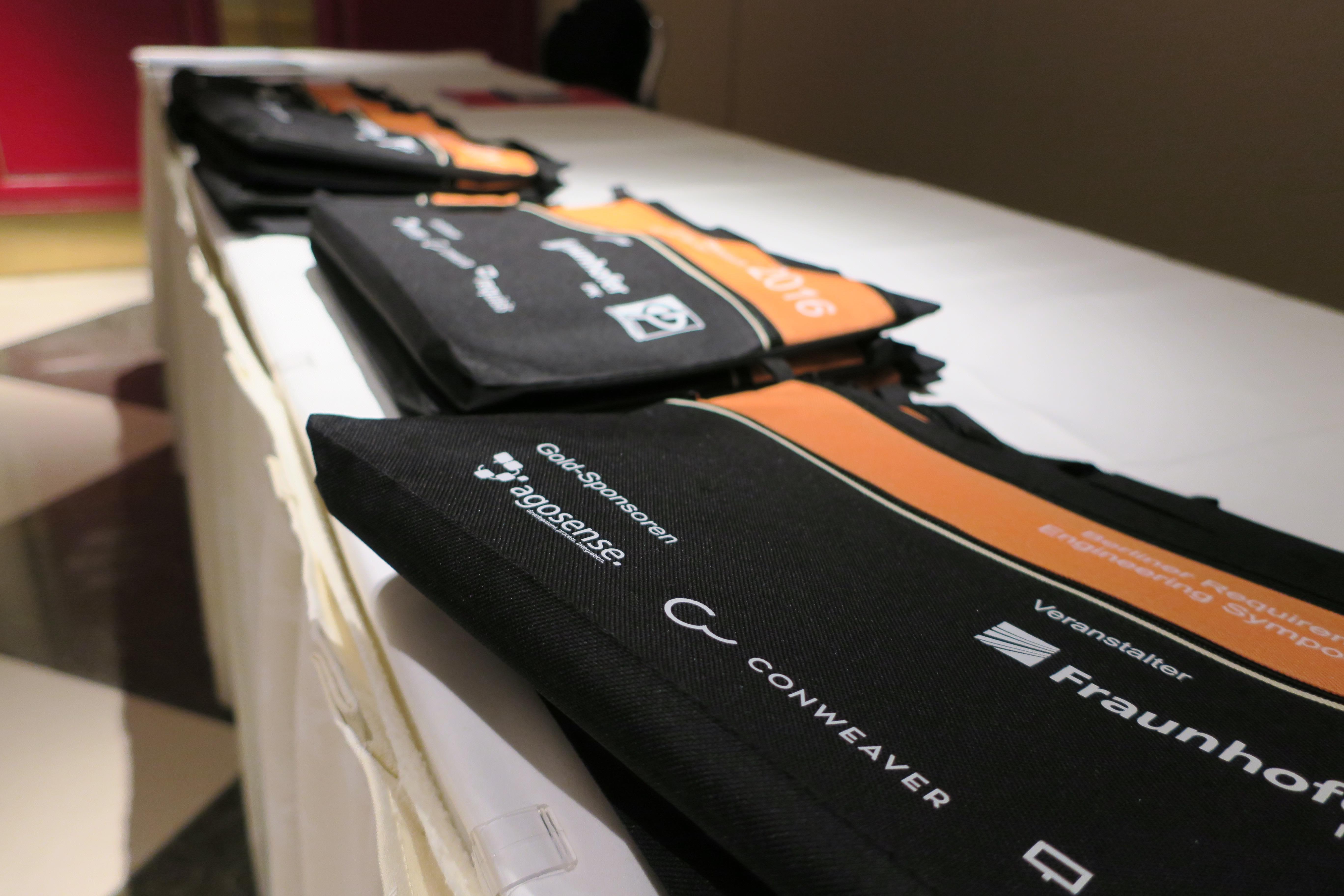 BizTune Werbeartikel bedruckte Taschen für InMediasP